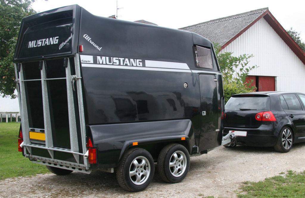 Reparation af glas- og kulfiber på hestetrailer sjælland